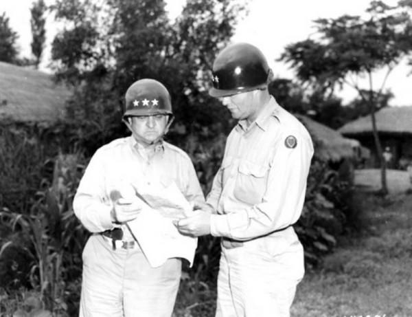 General Walker with MG DeanWalton-Walker-In-Korea.jpg